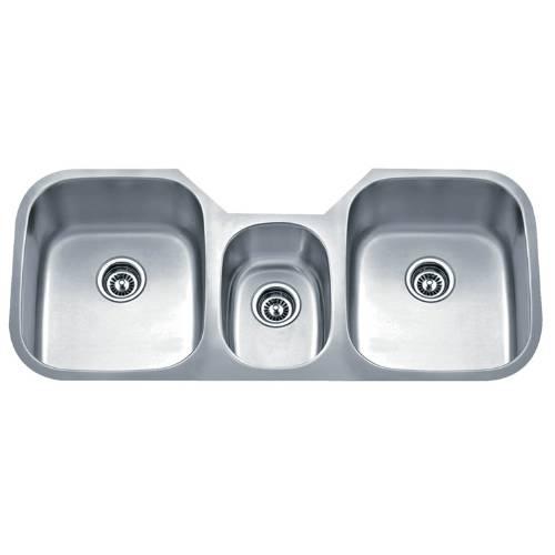 Wells Sinkware 18 Gauge Undermount Triple-Bowl Stainless Steel Kitchen Sink Package SSU4621-979-1